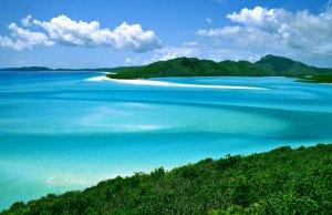 Whitsundays. Photo credit:  hamilton-island-guides.blogspot.com